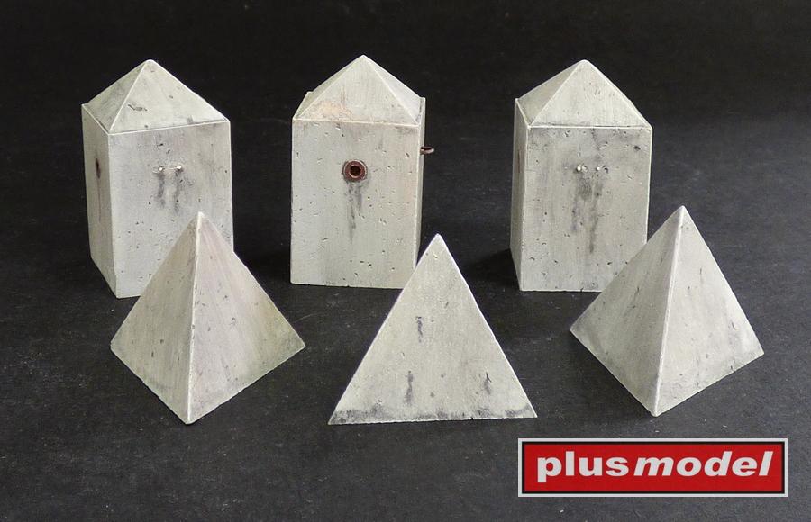 Protitankové betonové zátarasy-jehlany,Set II.