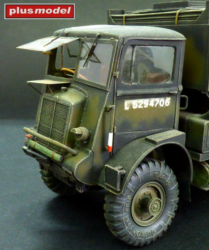 Bedford QL - kabina řidiče