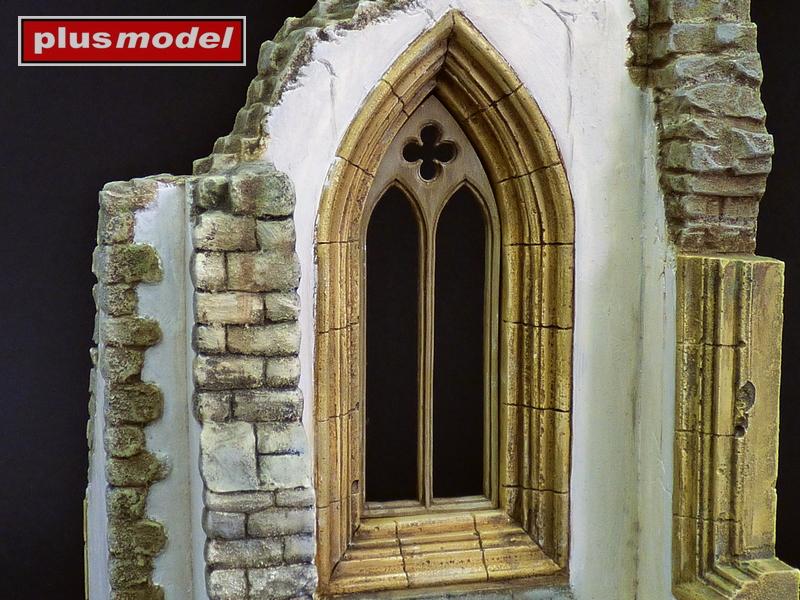 Okno gotické katedrály-1