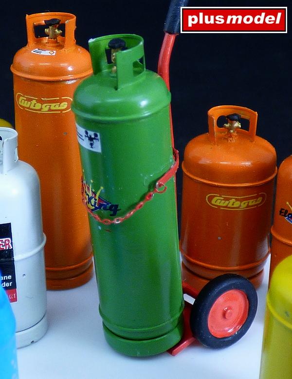 Plynové lahve-velké -1
