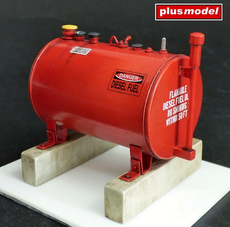 U.S.300 gallonová palivová nádrž -1