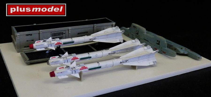 Ruská raketa R-60 s jednoduchým závěsníkem-1