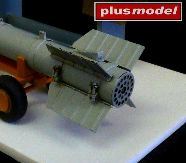 Raketa Tiny Tim - krátká-1