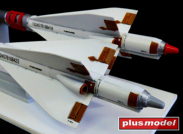Ruská raketa R-40R AA-6 Acrid-3