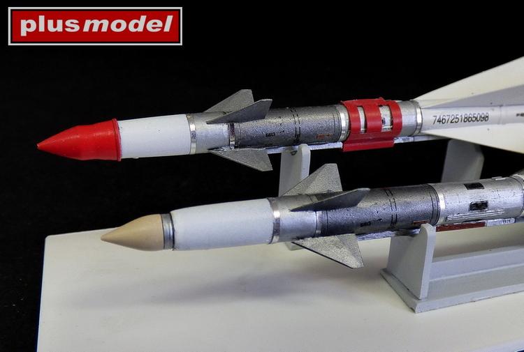Ruská raketa R-40RD AA-6 Acrid-1